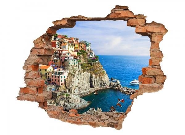 Wanddurchbruch mit Blick auf Italienische Küste