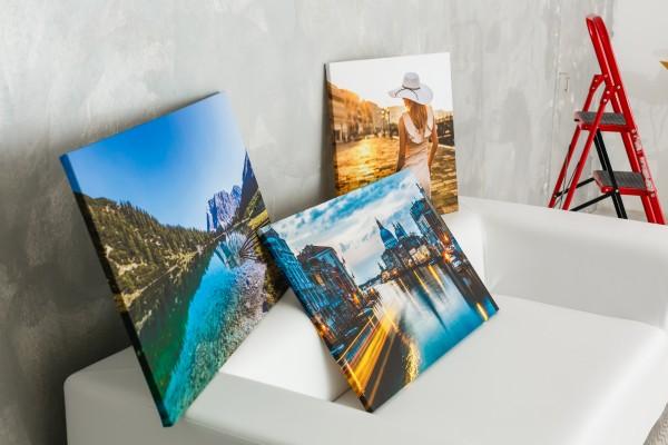 Fotoleinwand mit Druck und Rahmen
